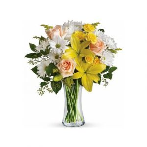 Pink Roses with yellow Asiatic lilies